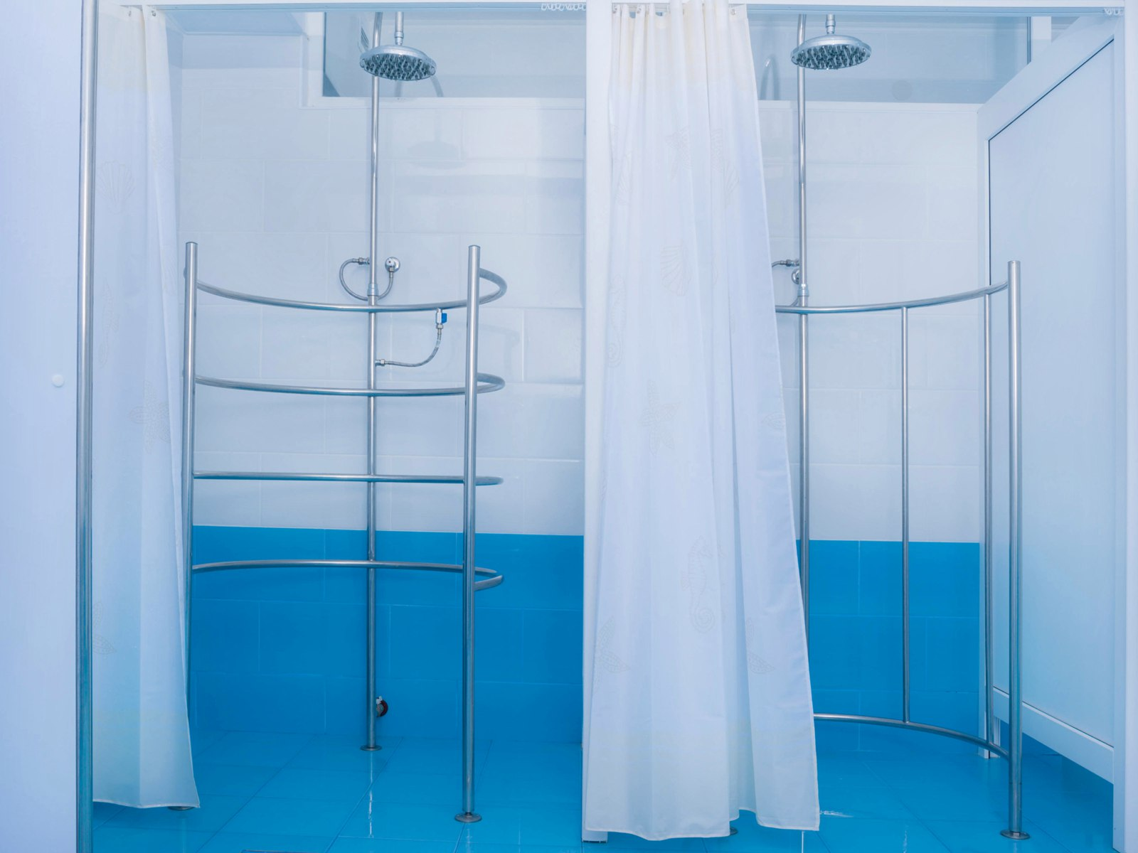 циркулярный душ фото